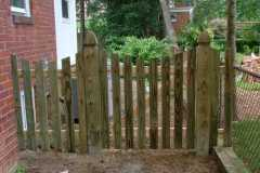 #4 Pressure Treated Pine Picket Fence With Dip
