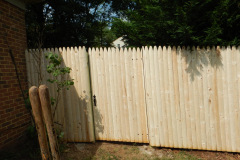 #5 Stockade Fence with Gate